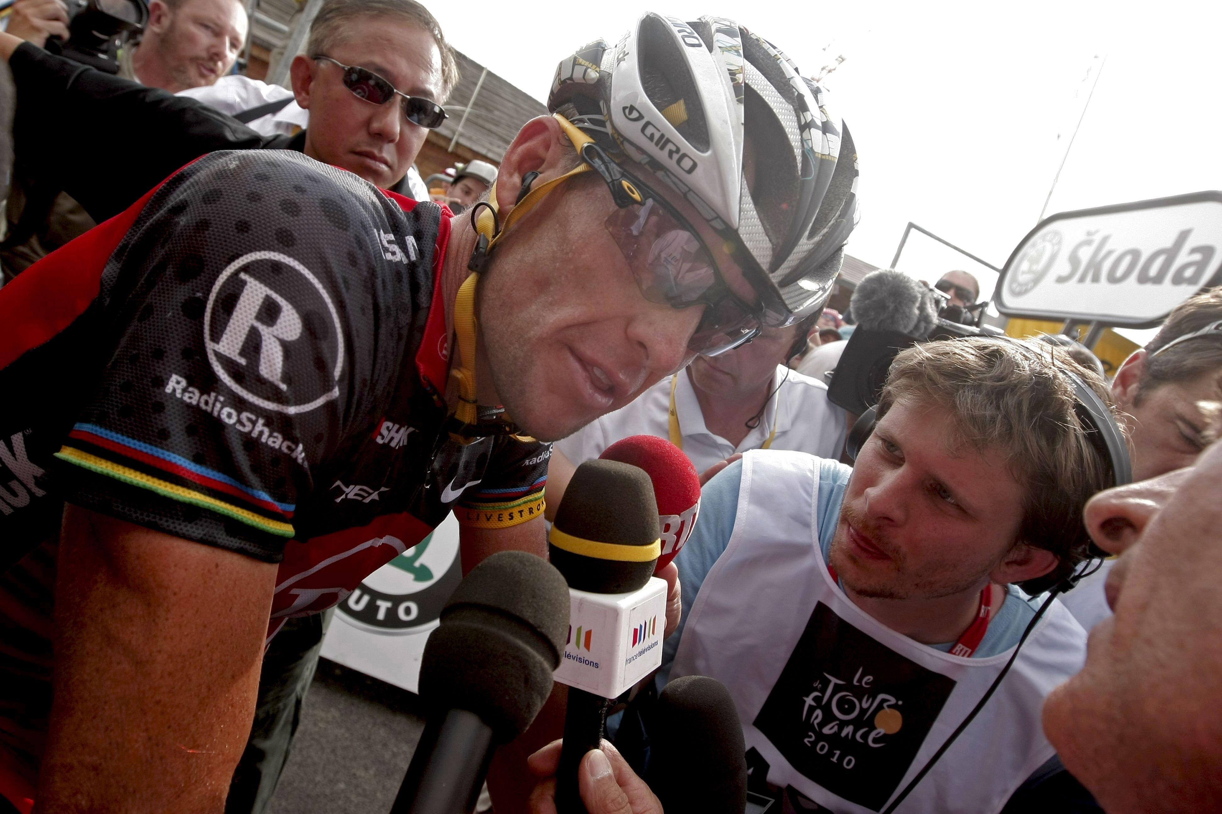 DEPORTE. Lance Armstrong, al término octava etapa del Tour de Francia en julio de 2010. | Foto: Efe/Javier Lizón.