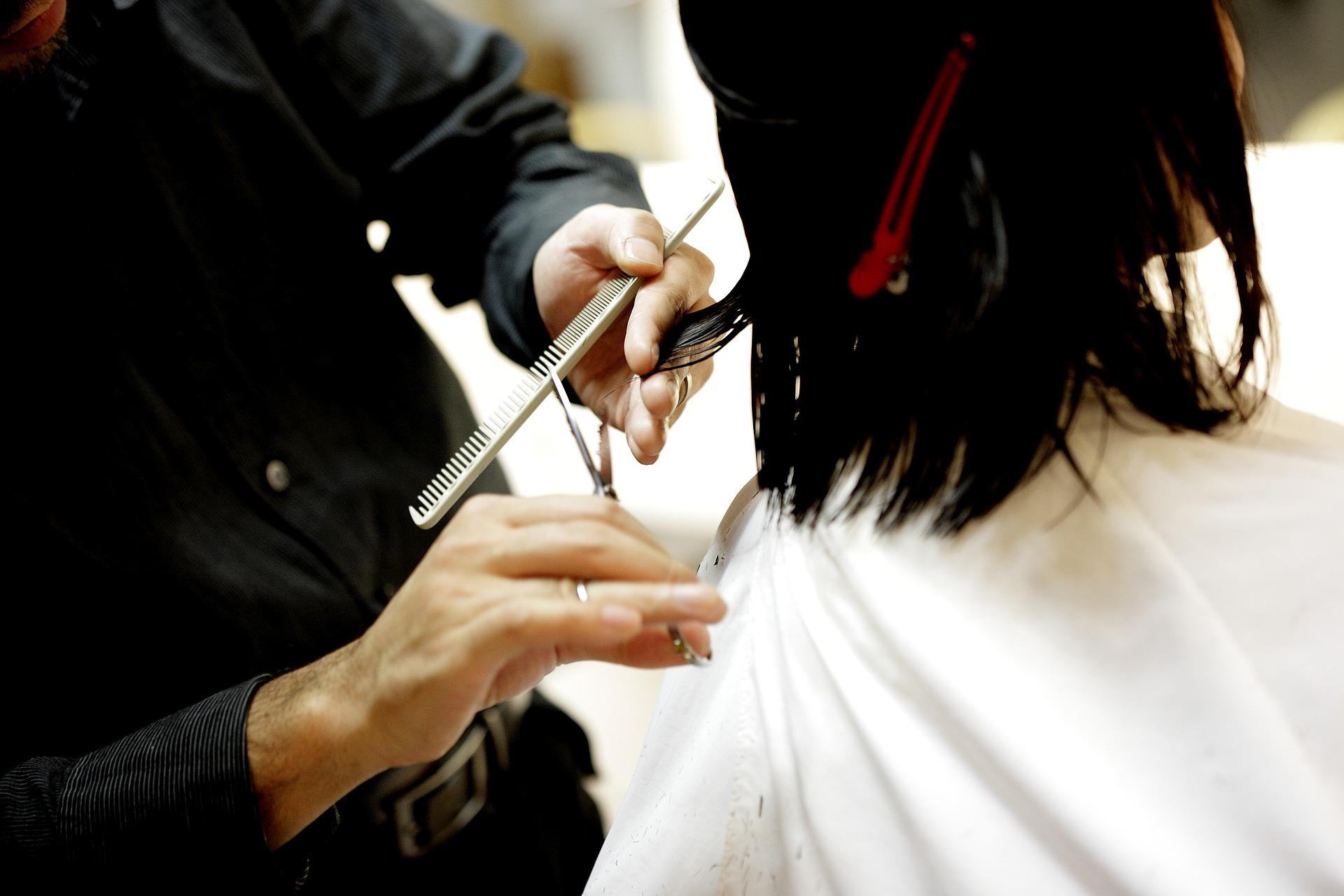 """ACCIONES. El programa """"Business Ready"""" busca ayudar a los propietarios de las peluquerías y barberías de Boston a reactivarse en pandemia"""