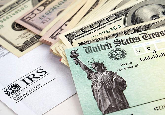 Inmigrantes con visa J-1 deben devolver cheque de estímulo
