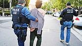 Ciertos inmigrantes podrán luchar contra la deportación.