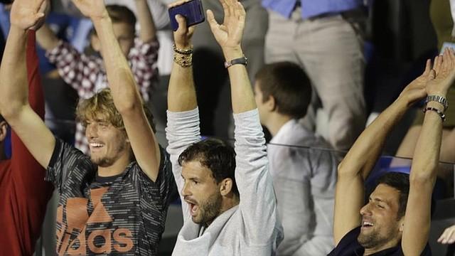 TENIS. Grigor Dimitrov (centro), junto a Novak Djokovic (derecha) y Alexander Zverev (izquierda) / EFE