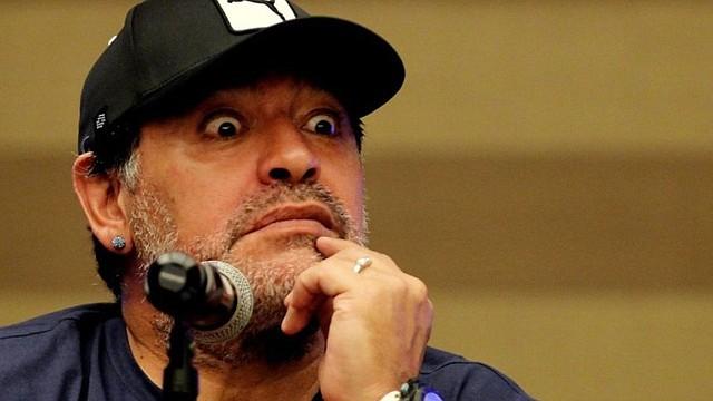 FÚTBOL. Maradona acapara titulares con cada aparición pública / EFE