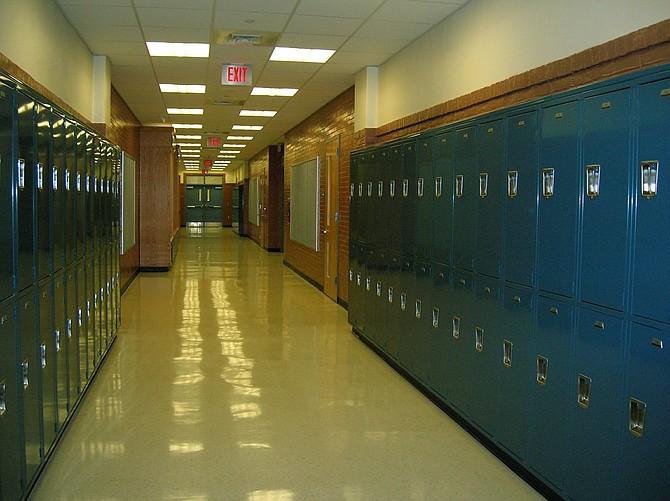 EDUCACIÓN. High School Secundaria