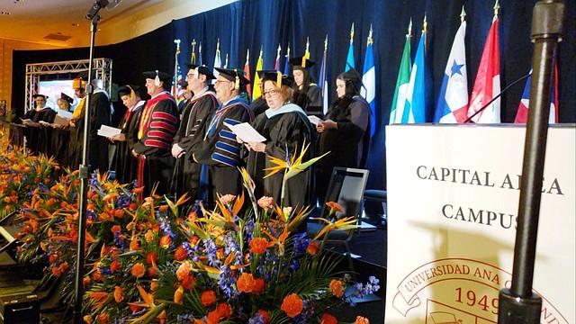 GRADUADOS. La Universidad Ana G. Méndez ha graduado a centenares de alumnos en la región.   FOTO: CORT. UAGM