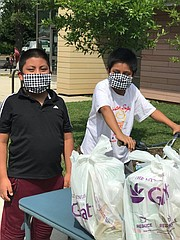 PANDEMIA. La entrega de alimentos es una de las tareas más urgentes que durante esta pandemia lleva adelante el MCCP en Culmore. | FOTO: Cortesía MCCP