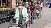 ALARMA. Los hospitales en Texas, uno de los focos del fuerte rebrote del COVID-19 en el país, están por quedarse sin camas para atender a los pacientes contagiados.