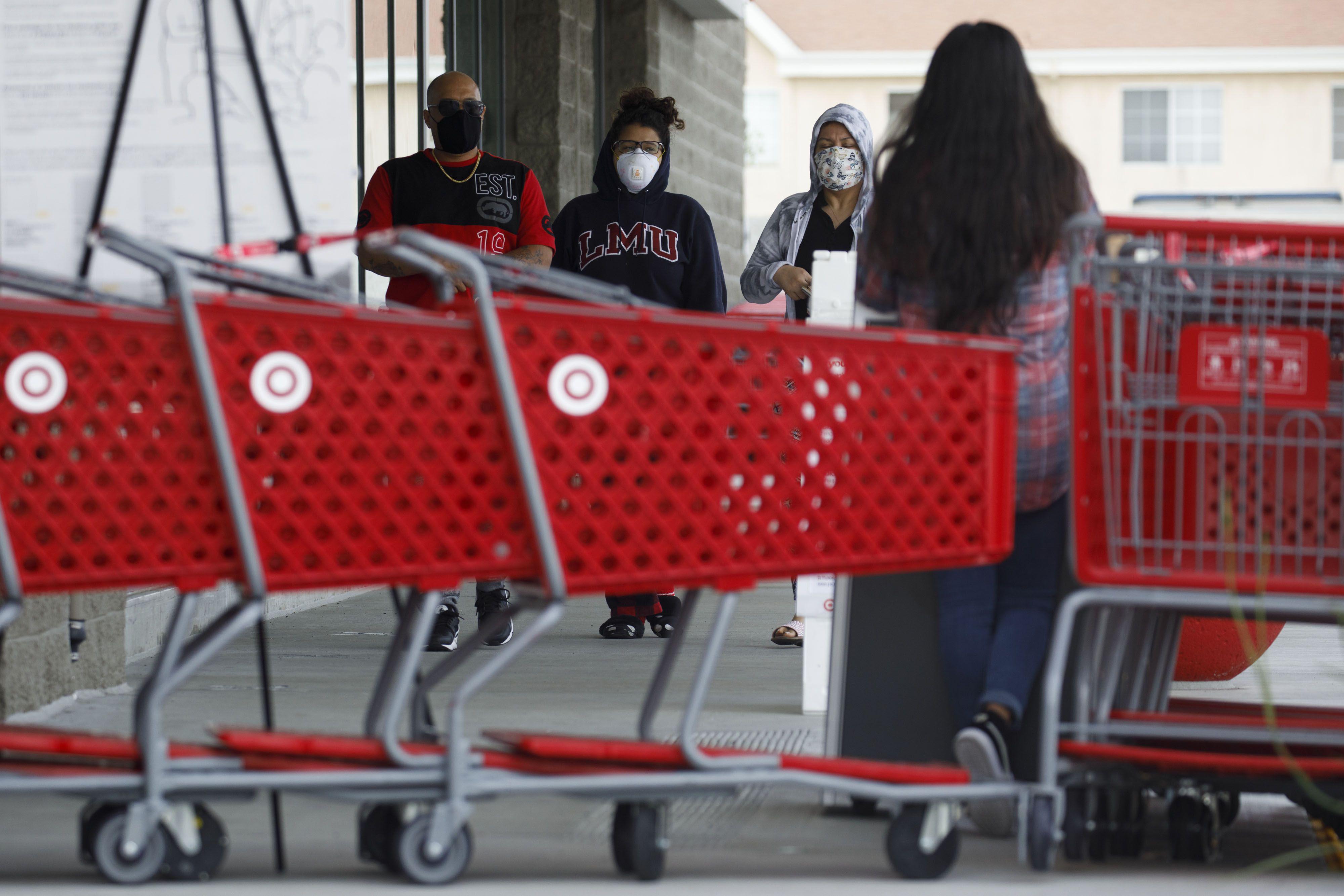 Target ha recibido siete quejas en lugar de trabajo relacionadas a violaciones de COVID-19 en Massachusetts, de acuerdo a información del estado obtenida a través de récords públicos solicitados por el Business Journal. | FOTO: Bloomberg photo by Patrick T. Fallon