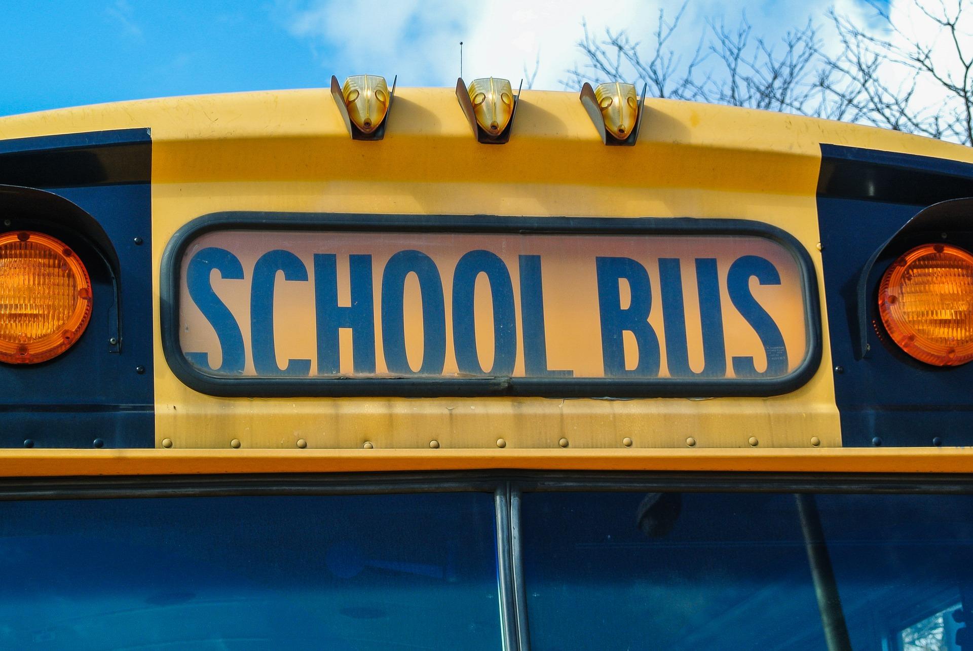 EDUCACIÓN. Autobús escolar
