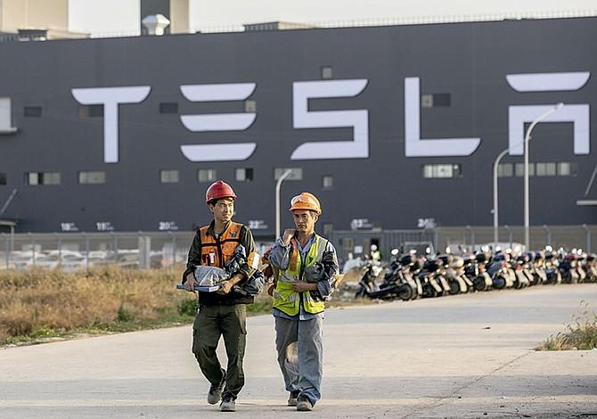 Tesla empleará a cinco mil  trabajadores locales