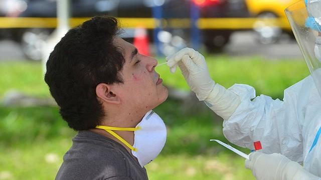 CONTAGIOS. La detección de casos es vital para calcular el impacto de la pandemia. | Foto: EDH/ Yessica Hompanera.