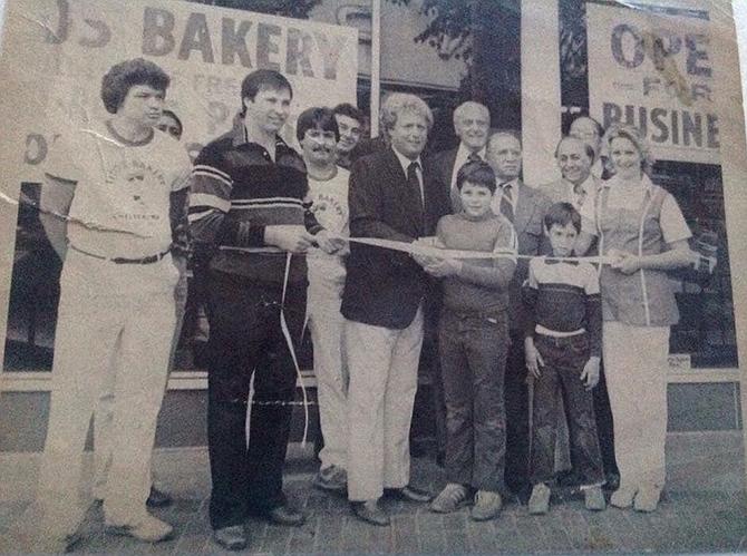 Inauguración de Tito's Bakery