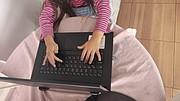 ONLINE. La falta de conocimientos digitales de los padres de familia hace que la modalidad de enseñanza online sea más complicada. | FOTOS: CORTESÍA / OLGA IMBAQUINGO