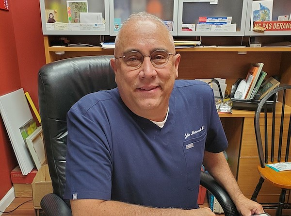 Dr. Julio Menocal | Médico y dueño, Menocal Medical Services en Frederick, MD | FOTO: Cortesía