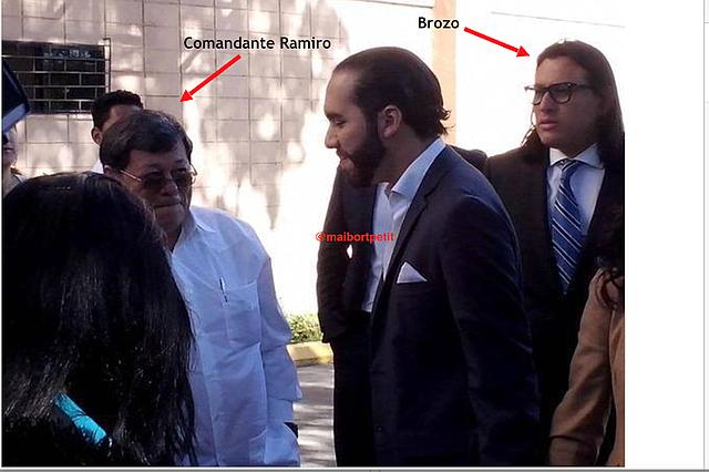 """En esta foto se encuentra el líder del FMLN José Luis Merino, el presidente Nayib Bukele y Ernesto Sanabria alias """"El Brozo""""."""