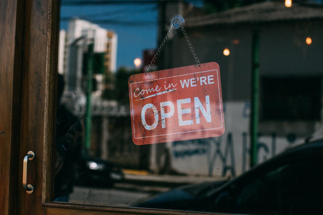 ECONOMÍA. El desempleo en Estados Unidos para el mes de agosto cayó al 8,4 por ciento tras darse la activación de varios sectores económicos