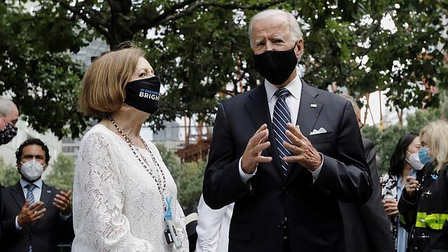 POLÍTICA. Medios reseñan un lento acercamiento de Biden a los electores latinos. | Foto: Efe.