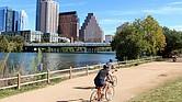 CONSECUENCIA. La actividad física en las personas disminuyó aún más con el aislamiento social debido a la pandemia del coronavirus. Nunca es tarde para corregir. El ejercicio se puede retomar, o iniciar, montando bicicleta en espacios abiertos.