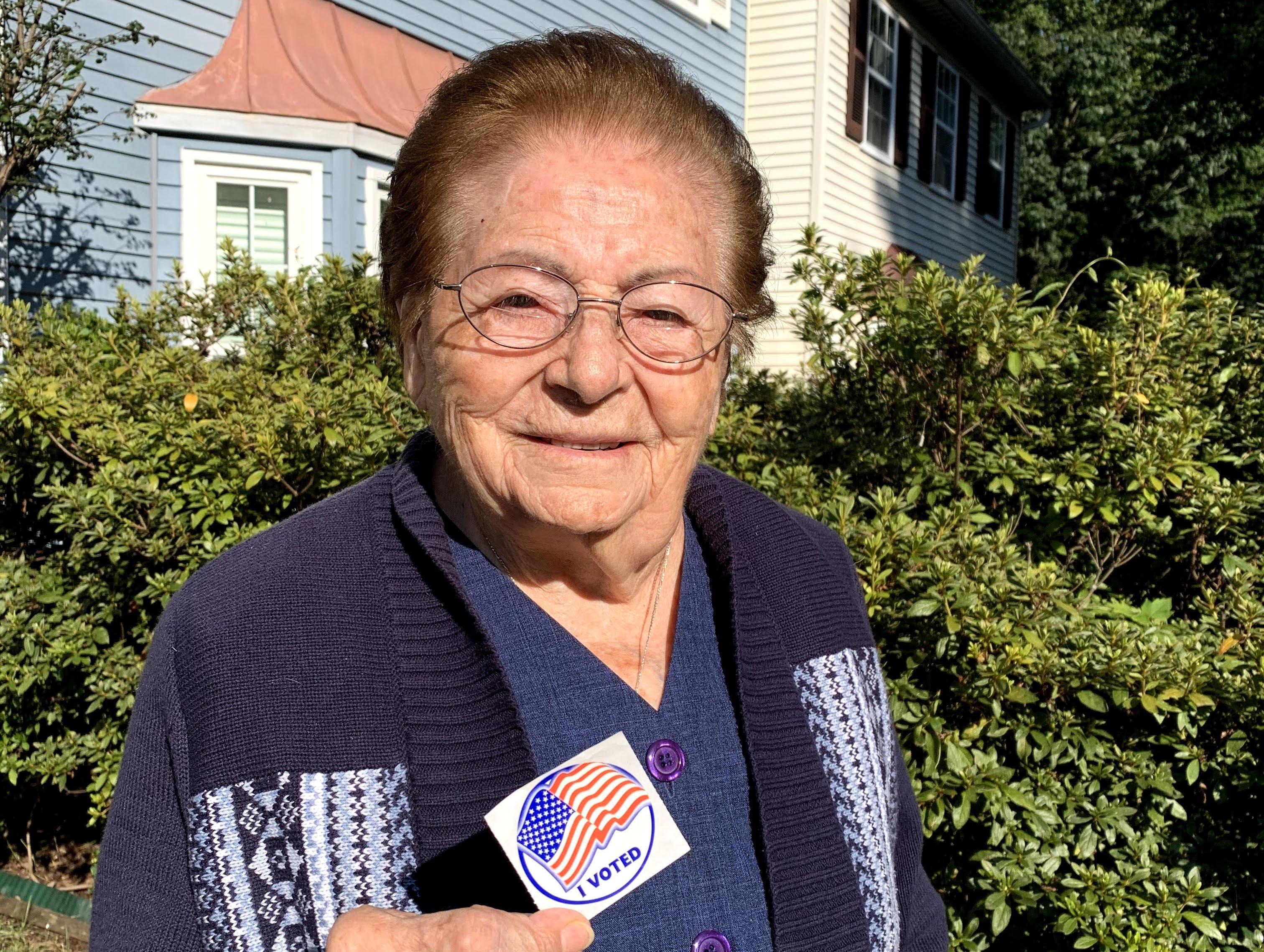 CENTENARIA. Rebeca Sánchez Mantilla cumplió 101 años en agosto. El viernes 18 de septiembre, votó por adelantado. FOTO: CORT. KARIN PEDEMONTE