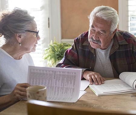 USTED DECIDE. Las pólizas del Medicare cambian anualmente, por ello es importante revisar las opciones disponibles durante el periodo de inscripción que concluye el 7 de diciembre y elegir la que más lo beneficie.