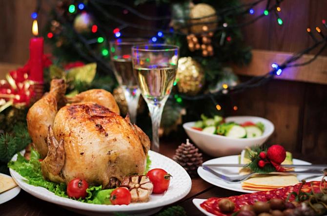 Una reunión virtual con familiares y amigos es la mejor opción para Thanksgiving.