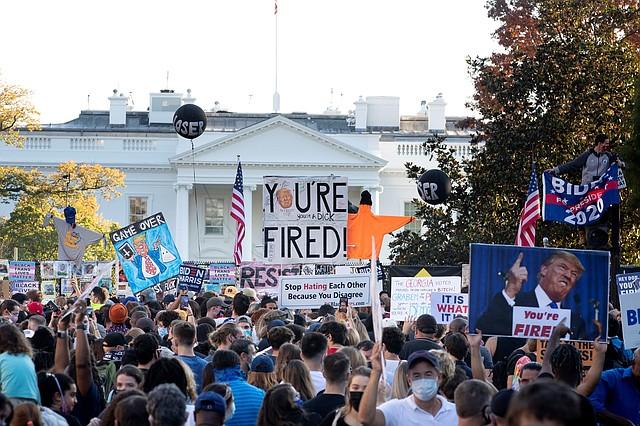 CAPITAL. En Washington, DC, cientos de residentes se movilizaron a favor y en contra de Trump. | Foto: Efe.