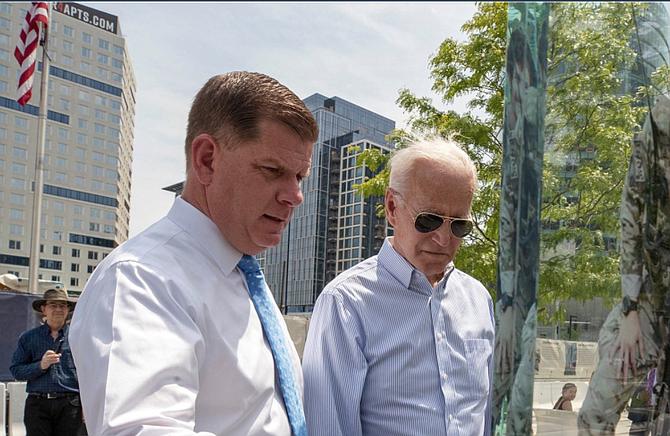 Walsh y Biden parecieron juntos en múltiples eventos durante 2019.