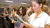 REVISIÓN. La agencia federal encargada de los procesos migratorios anunció cambios en el examen de ciudadanía: agregará más preguntas que enfatizan la comprensión de la historia de Estados Unidos.