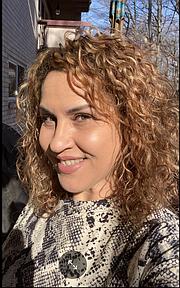 CAMBIO. Liliana Milagros Bonta no quería recibir la vacuna del COVID-19 pero cambió de idea cuando profesionales en el tema la instruyeron. | FOTO: FB/Cortesía |