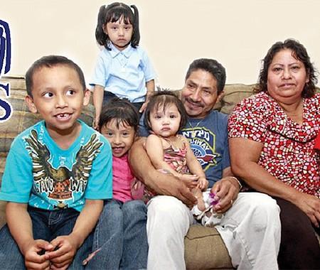 BENEFICIO. Las familias de estatus mixto excluidas de la ayuda provista por la ley CARES en marzo pueden solicitar el pago retroactivo al declarar los impuestos esta temporada.
