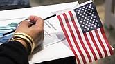 USCIS restituye examen de ciudadanía