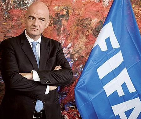 INFLEXIBLE. Gianni Infantino, presidente de la FIFA, advirtió a los equipos fundadores del nonato torneo que no obedecer supondría una ruptura con las ligas y federaciones europeas, con la UEFA y con la FIFA misma.