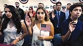 OBJETIVO. Para el USCIS, el financiamiento de organizaciones que asisten y asesoran a migrantes que deciden optar por la naturalización ayudará a fortalecer la identidad del país como nación acogedora de inmigrantes.