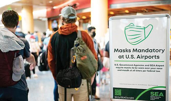 ESTRICTO. Los viajeros extranjeros deben mostrar su prueba de vacunación y un test negativo realizado tres días antes de ingresar a este país.