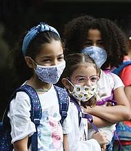 Protocolo sanitario cambiaría en escuelas de Texas
